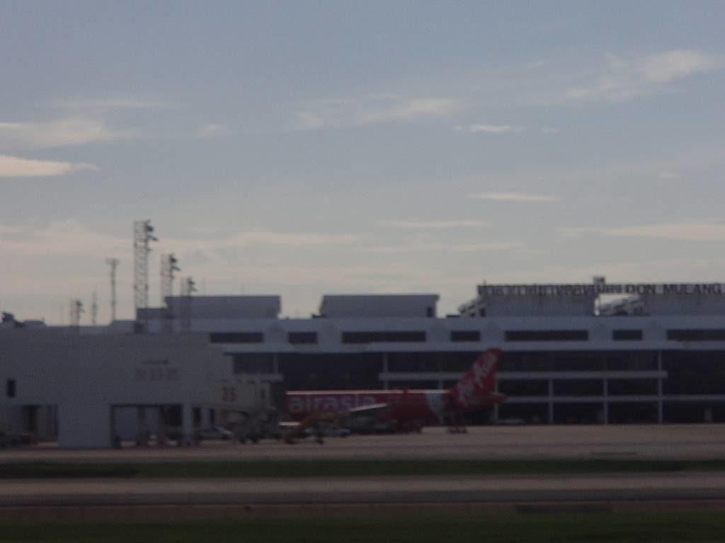 ドンムアン空港の過ごし方と食事エリアの営業時間は?