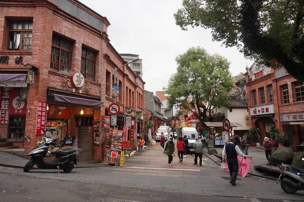 台北から深坑老街までの行き方を解説!台湾B級グルメの臭豆腐を満喫せよ!