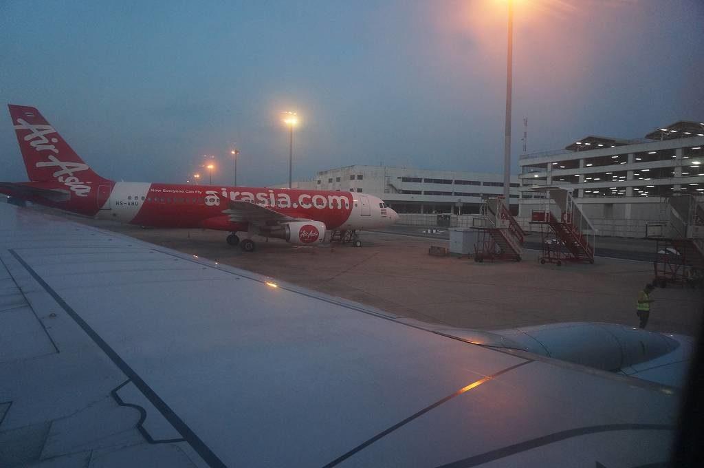 早朝のドンムンアン空港をウロウロした後ヤンゴンへ向かう